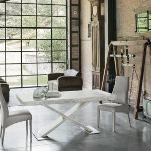 tavolo bianco vintage